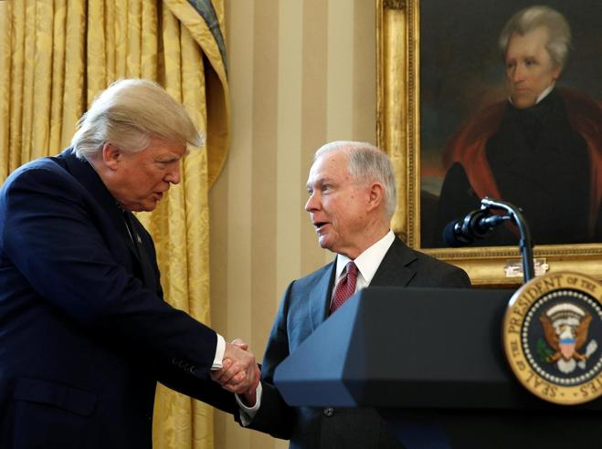Donald Trump licenzia Jeff Sessions per il Russiagate: ora rischia Mueller?