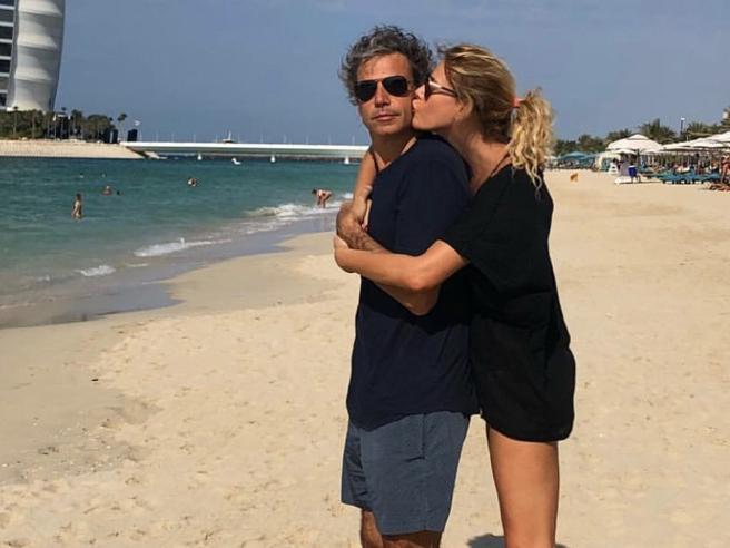 Alessia Marcuzzi, 46 anni festeggiati sotto il sole di Dubai