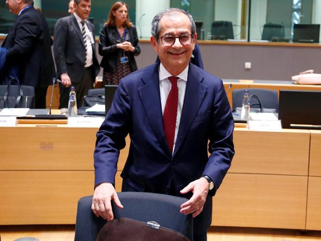 Manovra,  parte la lettera per l'EuropaTutti i  dispetti tra Salvini e Di Maio