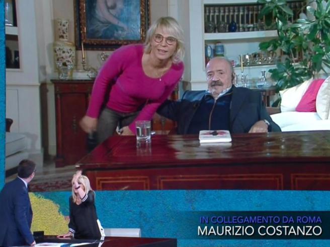 Maurizio Costanzo: «Maria De Filippi mi bullizza, ma voglio morire nella sua mano»