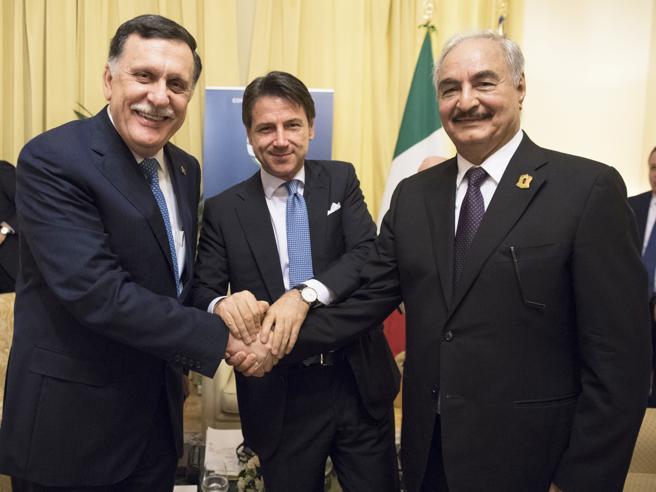 Libia, Palermo, il premier Conte:  «No a soluzioni calate dall'alto». La Turchia abbandona il vertice