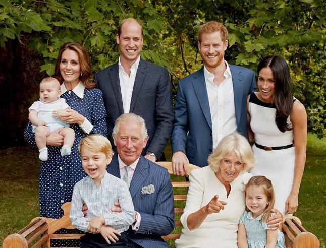 I 70 anni del principe Carlo: da Lady Diana a Camilla ai nipoti