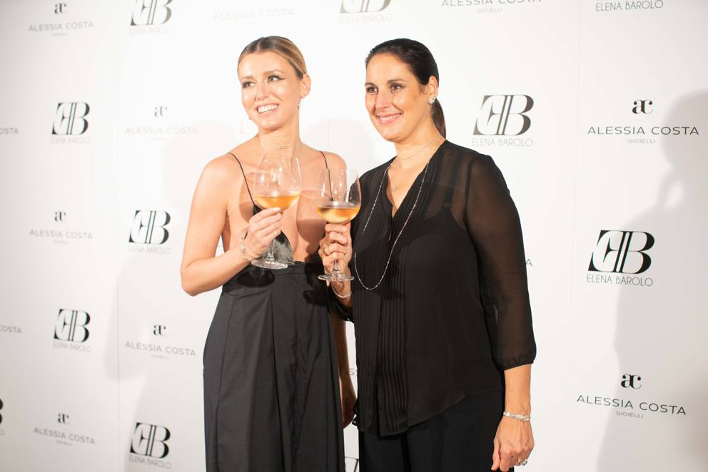 Da Simona Ventura a Filippo Magnini  il party in hotel di Elena Barolo e  Alessia Costa cac97650e7e