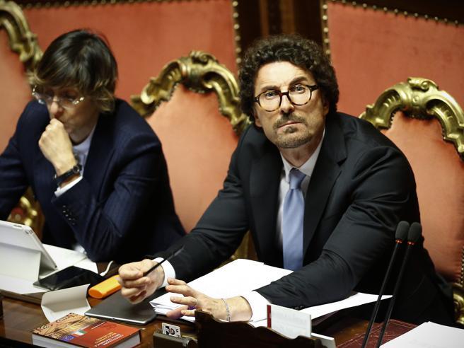 Il decreto Genova è legge: approvato in Senato con 167 sì e