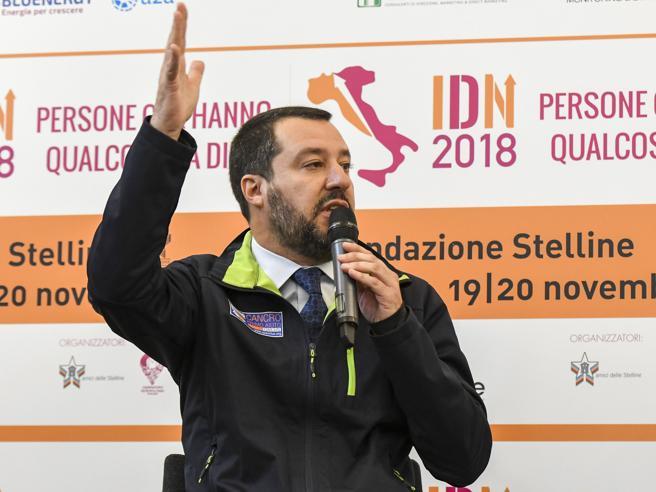 Salvini evoca i poteri forti: «Se non mi fanno saltare vado fino in fondo»