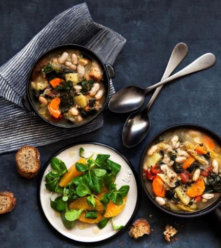 Ribollita e insalata di valerianella