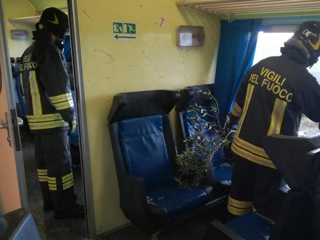 Maltempo al Centro SudA Caserta danni alla Reggia,   tromba