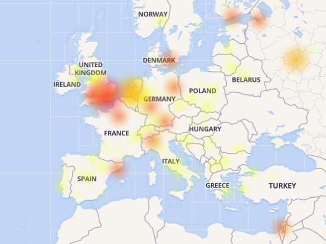 Facebook e Instagram down, problemi anche in Italia