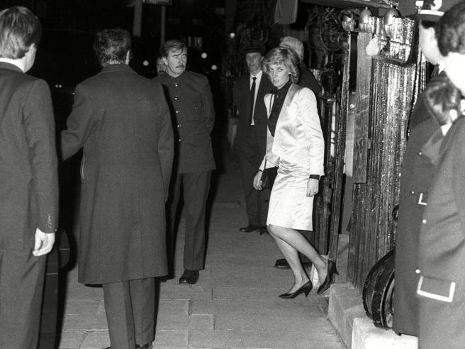 All'asta i cimeli di Annabel's, dove Diana si travestì da poliziotta