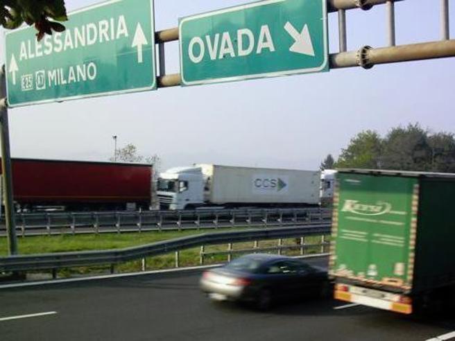 Controlli sui viadotti della A26 Stop ai trasporti  eccezion