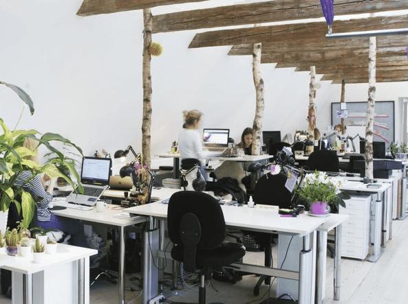 Wework il gigante degli uffici condivisi debutta a milano for Uffici attrezzati milano