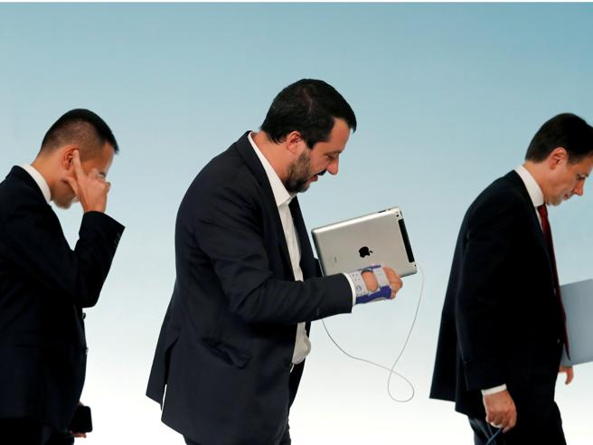 Salvini e Di Maio aprono all'EuropaIl piano: ridurre il deficit si puòAppalti, liste d'attesa: il dossier  di Conte
