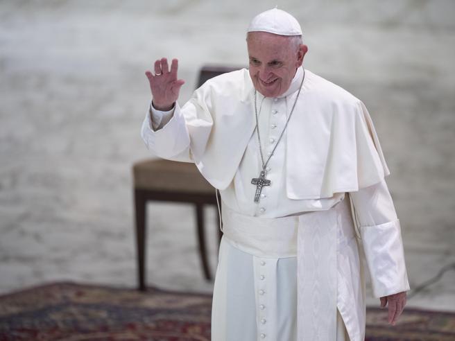 Francesco andrà ad Abu Dhabi, primo papa nella Penisola arabica