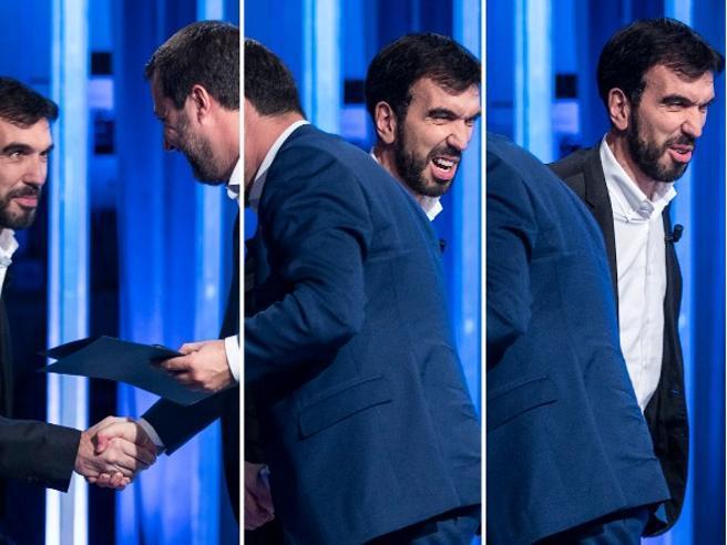 Salvini-Martina, la stretta di mano «vigorosa» e la smorfia del candidato Pd|Le immagini