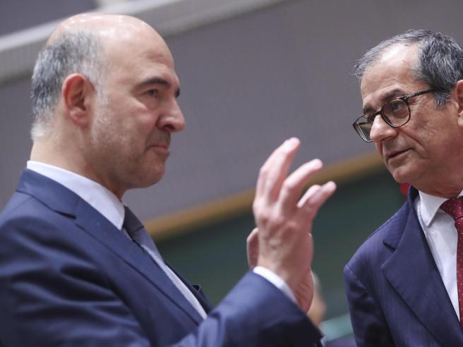Manovra, Moscovici e  il deficit italiano: «Ancora non ci siamo». Via libera alla Francia. Di Maio e Salvini: ...