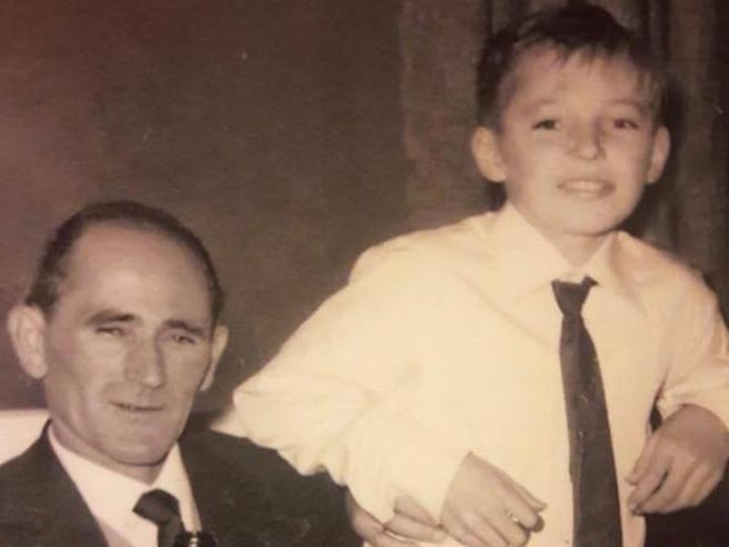 Vasco Rossi ricorda il padre morto nel 1979: «Mi spiace che non abbia visto cosa ho combinato»