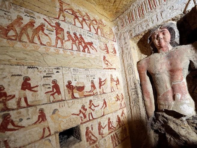 Egitto, scoperta tomba di 4.400 anni fa:  pitture e statue