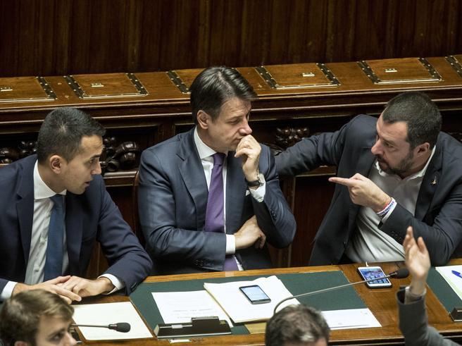 Salvini: «I 5 Stelle si diano una regolata». E Giorgetti sfida Di Maio sul «reddito»