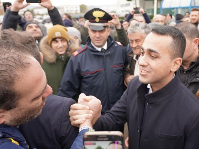 L'appello di Di Maio al M5S: «È il momento di restare compat