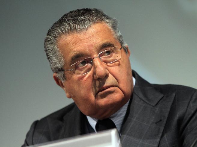 De Benedetti e l'acquisto delle azioni delle Popolari dopo la telefonata a Renzi: sarà processato i suo broker