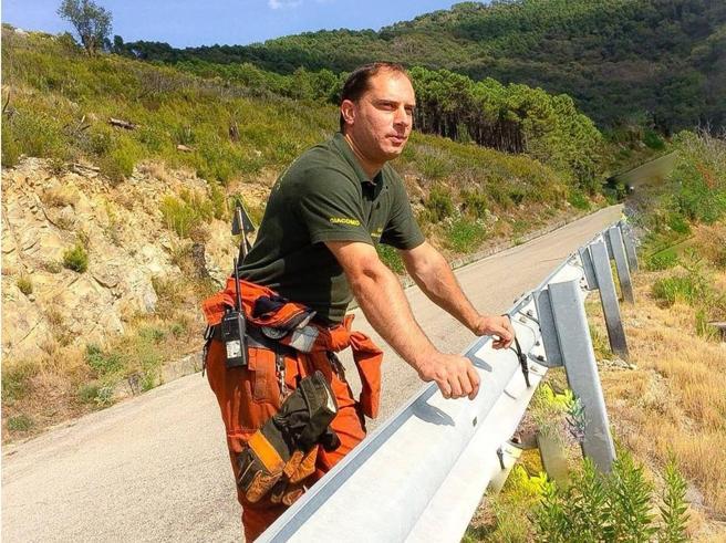Volontario antincendio arrestato: «È lui il piromane»