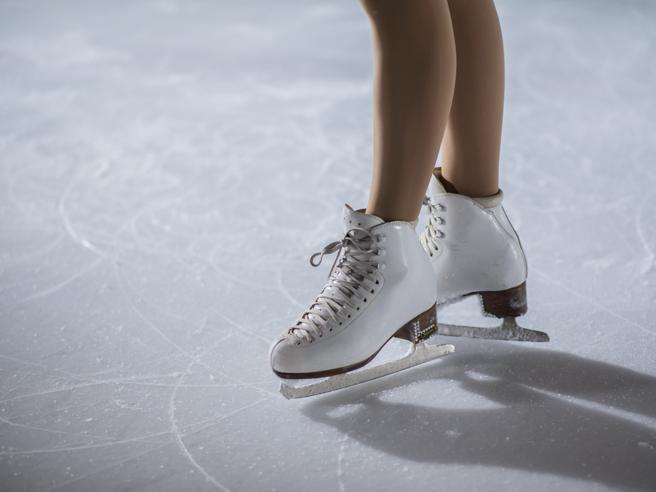 I benefici del pattinaggio su ghiaccio: tonifica i muscoli (soprattutto i glutei) e brucia calorie