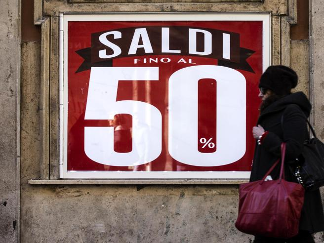1a831d0b2a Saldi 2019 al via, il calendario regione per regione: ogni italiano  spenderà dai 122