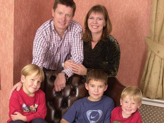 Matrimonio Con Uomo Con Figli : Richard mason e la scoperta dopo 20 anni che i tre figli non sono