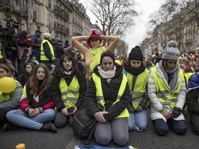 Controversy over Di Maio's support for gilets jaunes protesters
