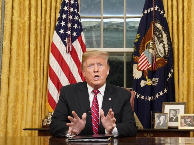 Usa, Trump: «C'è una crisi umanitaria al confine con il  Messico, il muro è essenziale»