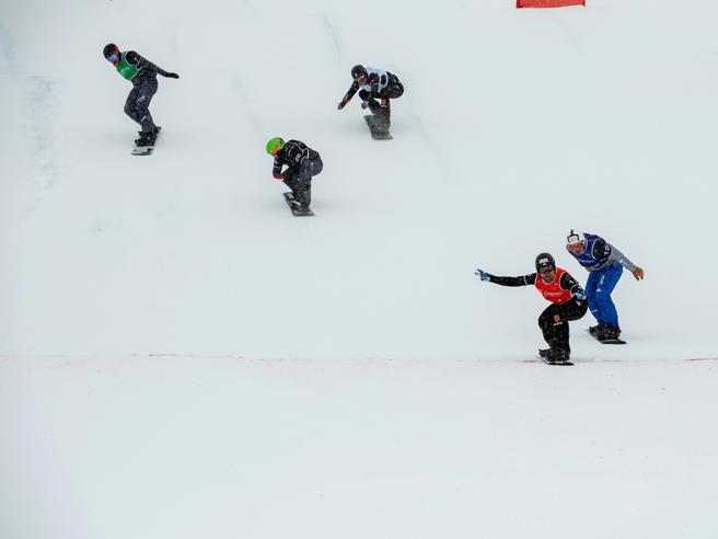 Courmayeur, snowboarder cade dopo salto su una pista vietata:   morto