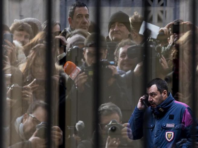 Salvini furioso con Conte: «Ora basta scherzi».Ma sui migranti il premier rivendica: «Fatto eccezionale»