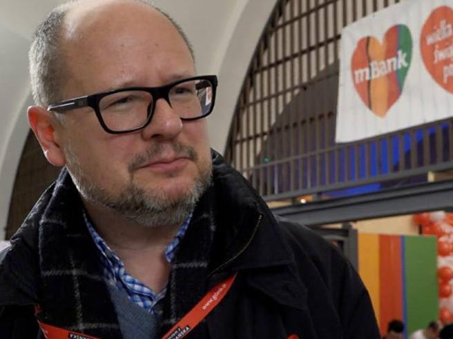 Morto il sindaco di Danzica  accoltellato ieri a una manifestazione Il video