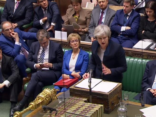 Brexit, disfatta epica per May: bocciato l'accordo con l'Ue.