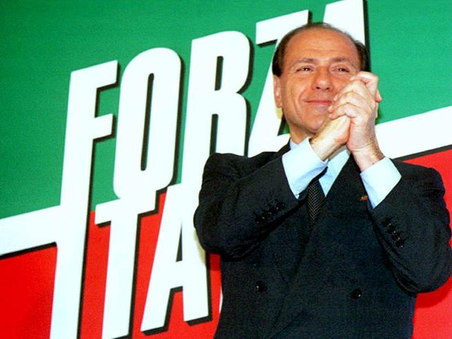 Forza Italia compie 25 anni: successi, slogan e cadute  nel