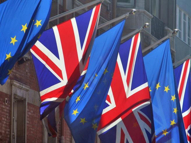 Brexit senza accordo, cosa succede? E un nuovo referendum è possibile?