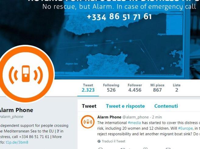 Che cos'è Alarm Phone, la piattaforma che aiuta i migranti nel Mediterraneo