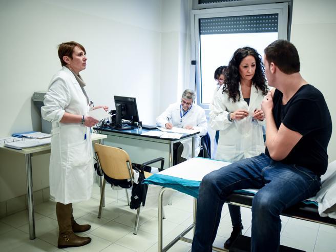 Meningite, ogni anno in Italia circa 20 morti: «Nessun allarme»