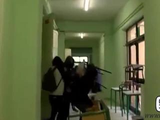 Pisa, scuola devastata da studenti incappucciati