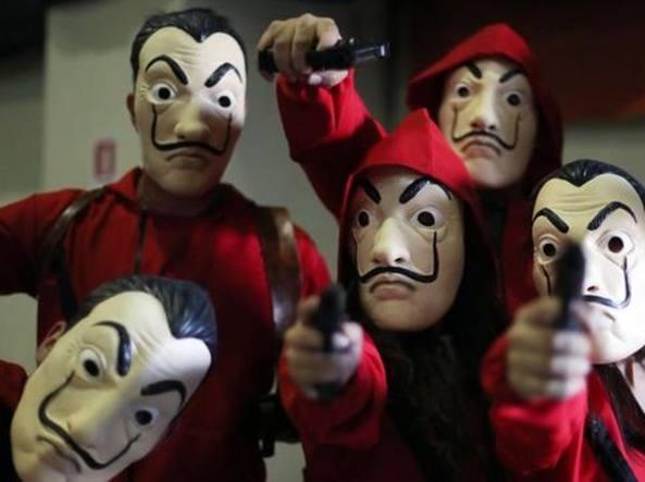 maschera dali casa di carta  La Casa di carta, la Fondazione Dalì Dalí contro l'uso delle ...
