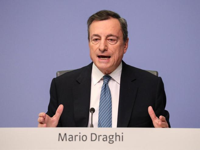 Bce, Draghi: «Economia più debole del previsto, rischi per la crescita dalla lunga trattativa sulla Brexit»