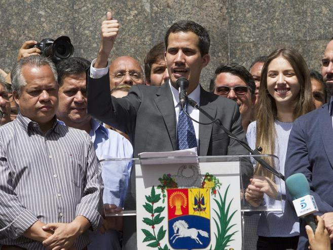 Venezuela, scontro Usa-Russia all'Onu. Pompeo: «Maduro via subito». Mosca: «E' golpe»
