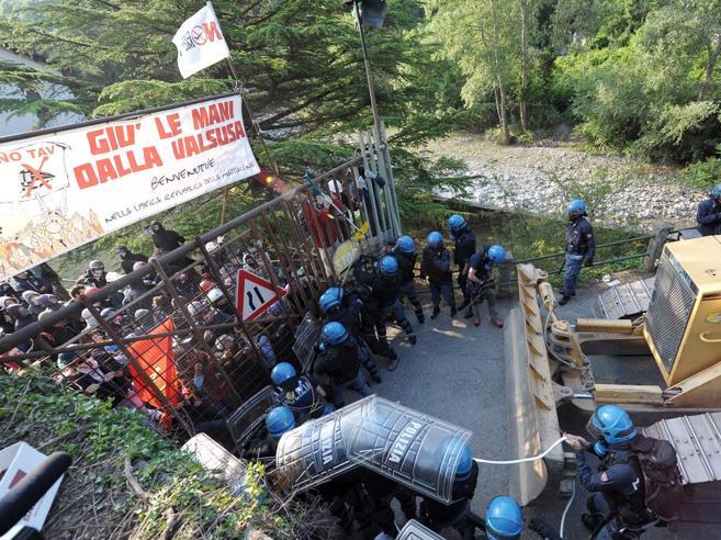 Val Susa    i No Tav aspettano  i leghisti    «Ma ormai anche  i 5 Stelle sono come loro»