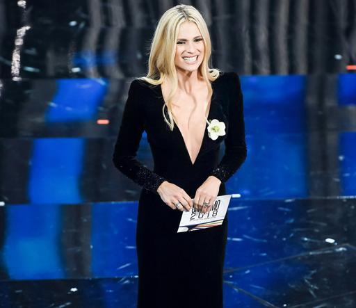 92c97636de Sanremo, gli abiti più belli: dallo scollo abissale di Michelle ...
