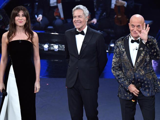 Sanremo 2019, i vestiti della prima serata all'Ariston. L'eleganza di Virginia Raffaele
