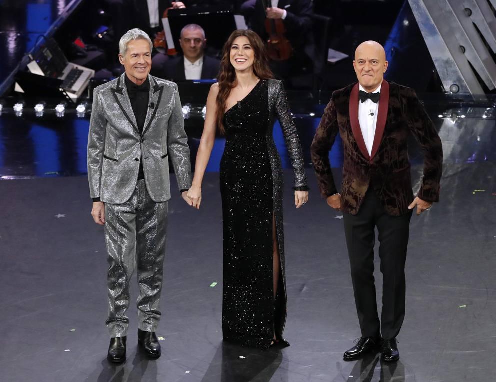 26102f5b4aa0 Sanremo 2019  i vestiti di Virginia Raffaele e i look della quarta serata