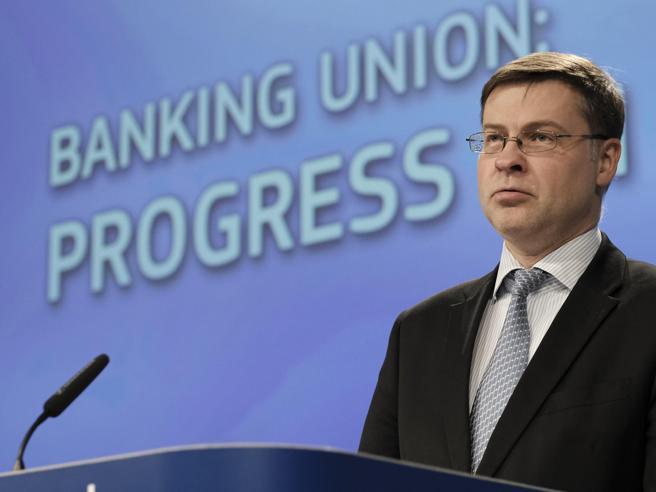 L'Ue:  «Importante indipendenza Bankitalia». E Salvini: mi affido a Conte e Tria