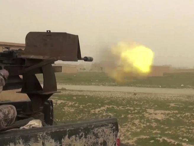Ferito  il fotografo italiano  Gabriele Micalizzi |  in Siria per l'offensiva anti Isis