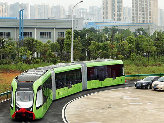 Come funziona ART, il futuristico tram elettrico cinese senza rotaie e a guida autonoma