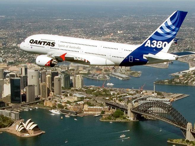 Airbus, finisce il volo degli A380 il «gigante dei cieli»
